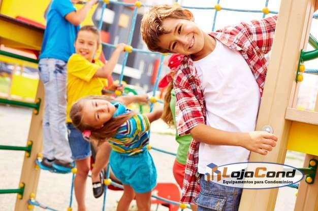 Como lidar com crianças no condomínio?